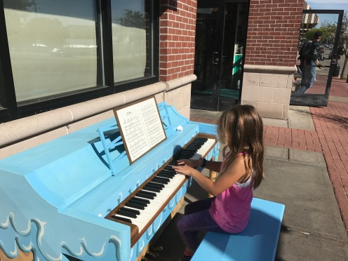 I LOVE these public pianos!
